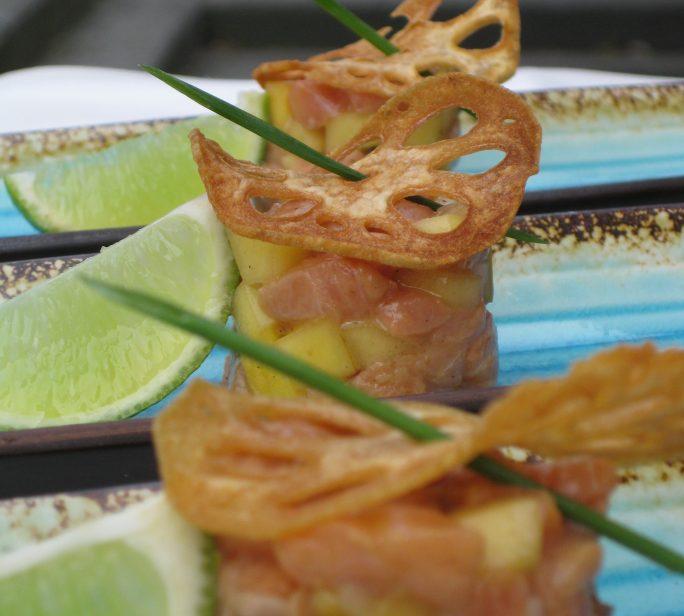 Tartaar van zalm en mango met sojasaus